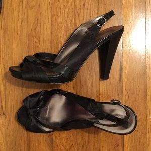 83d3f930dad9 Audrey Brooke black pumps